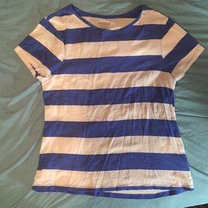 Old navy brand t-shirt